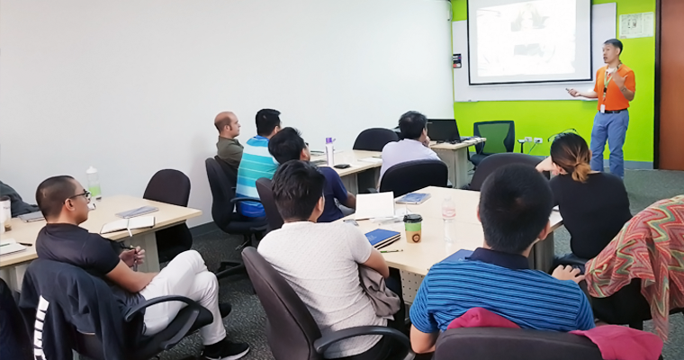 Lorenzo Dee talked to his class about the Agile Requirements, Estimation, and Planning. | Agile Training Philippines